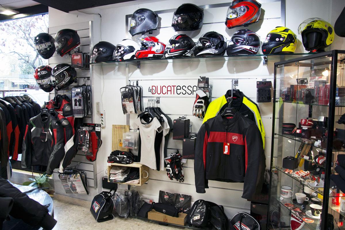 Location Moto Ducati Roma